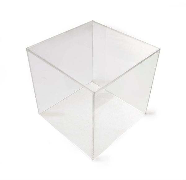 Clear display cube